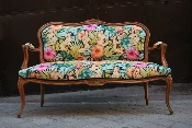 http://stores.sellmojo.com/images/inspiration/mirage couch2643.jpg